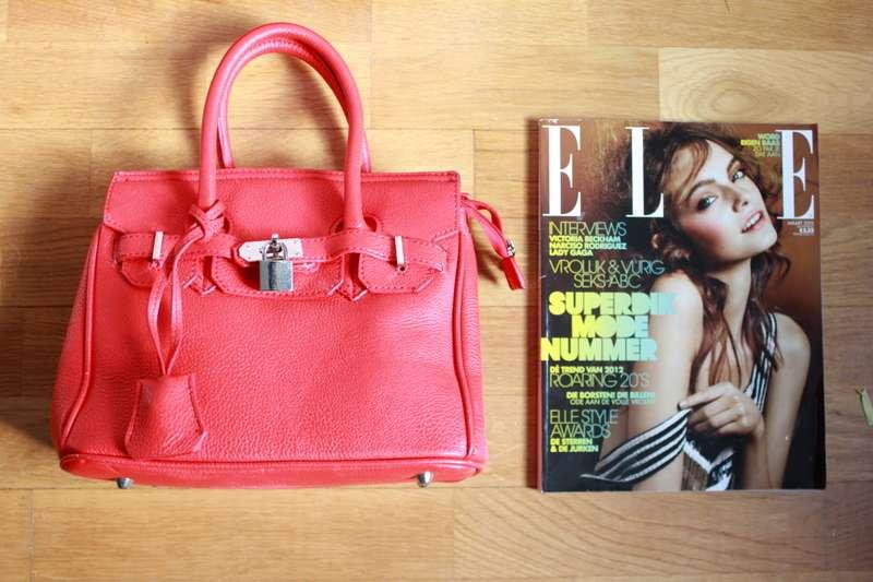 Punainen Chanel Laukku : Hello you ikirppis punainen laukku lukkoriipuksella