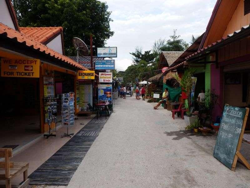 Walking Street Koh Lipe zur Mittagszeit